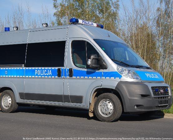 """Policja Otwock: Działania drogówki na ulicach miast: Otwock, Józefów i Karczew przeciwko nocnym rajdom i tzw. """"driftom"""""""