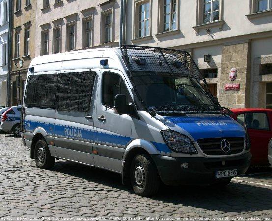 Policja Otwock: Pokłóciła się z konkubentem, zabrała syna i pojechała samochodem ........pijana