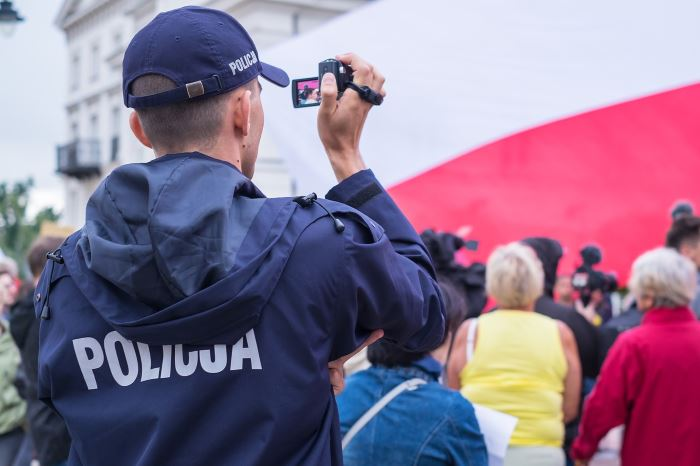Policja Otwock: Odpowie za znieważenie i naruszenie nietykalności cielesnej funkcjonariusza