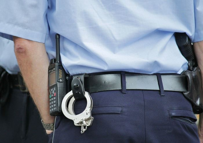 Policja Otwock: Na widok policjantów odrzucił narkotyki